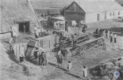 Молотьба в Романковском ТОЗе. 1929 г.