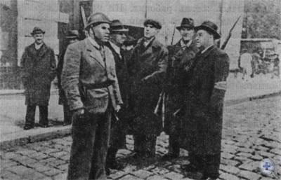 Дружинники рабочей гвардии на улицах Львова. Сентябрь 1939 г.