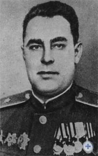 Начальник политического управления Прикарпатского военного округа генерал-майор Л. И. Брежнев. 1945 г.