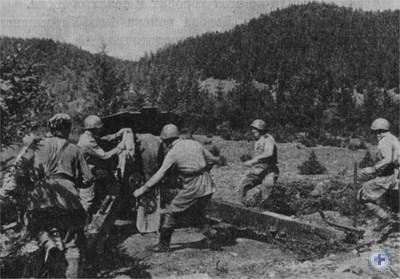 Артиллеристы ведут бой на подступах ко Львову. 1944 г.