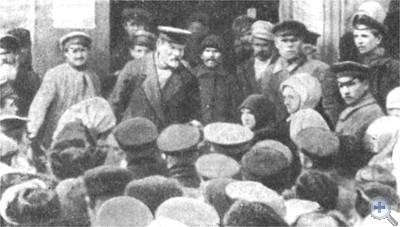Председатель ВЦИК М. И. Калинин выступает на митинге в Одессе. Март 1922 г.
